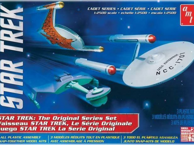 Model Plastikowy Do Sklejania AMT (USA) - Star Trek Cadet Series TOS Era Ship (3 w 1)